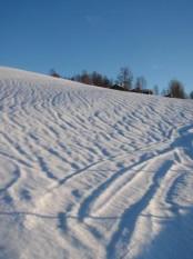 Bilde av snøen som krymper etter mildværet. Foto Hans Sollid