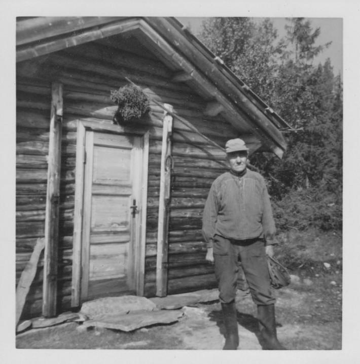 Einar Eggen på Gammelsetra 1968. Foto utlånt av Dagny Ræøstum Voll
