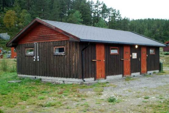 Bilde av sanitæranlegget på campingplassen til Arild Hemli. Foto Hans Sollid