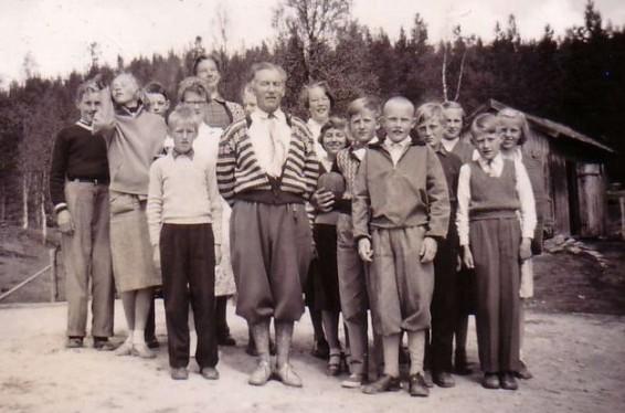 Bilde av klassebilde  ved Atnbrua skole. Foto Trond Ivar Wiehe