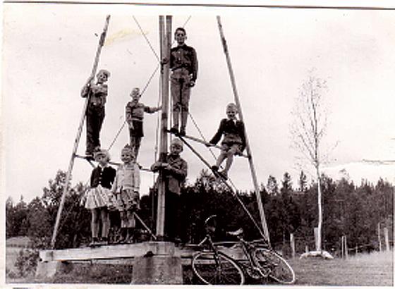 Bilde av unger-i-vindmølletårnet foto Rolf Øvergaard
