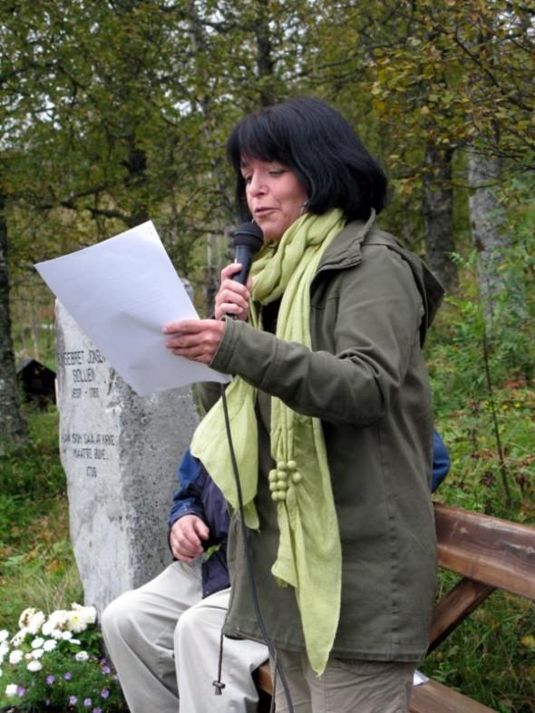 Gunhild Kværness leste fra Helene Lassens tekster. Foto Hans Sollid