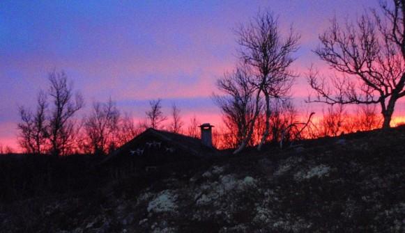 Bilde av soloppgang ved Lessingsbua. Foto Hans Sollid