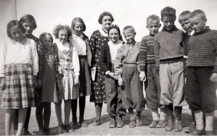 Foto av skoleklassa til Borghild Wulvik