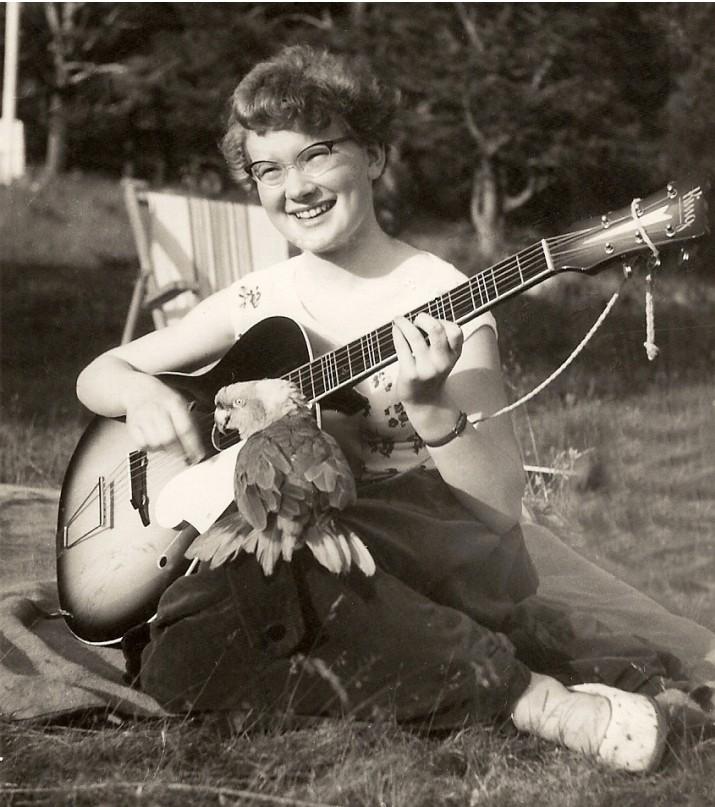 aud med gitar (2)foto Berit Brandt