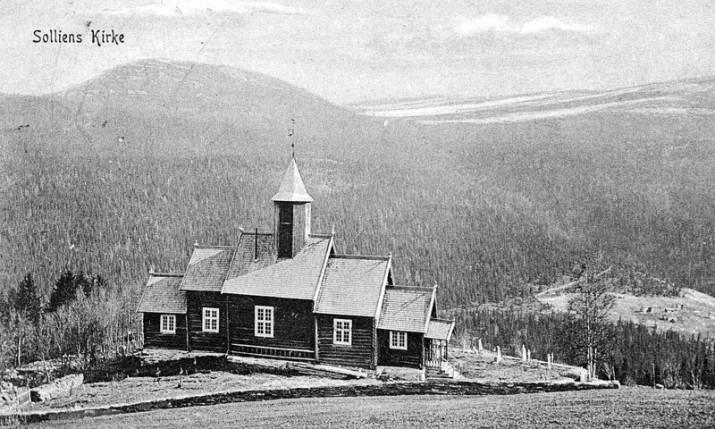 Sollia Kirke. Postkort tatt før 1913.