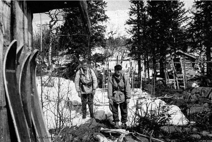 Ola Holen og Kåre Bredesen foto Oddvar Dobloug april 1945