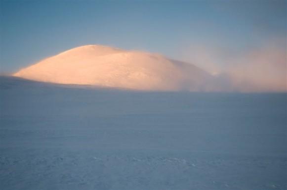 Bilde av Blåkampen i snøføyka.