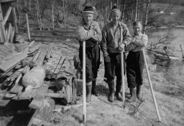 Tømmerfløtere klar for ferden mot Atna. Foto utlånt av Jens Lien10_VirarToften_Gu