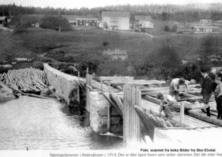 Den første fløtardam fra 1914.