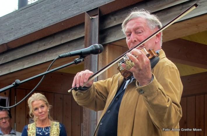 Sven Nyhus spiller Fanitullen