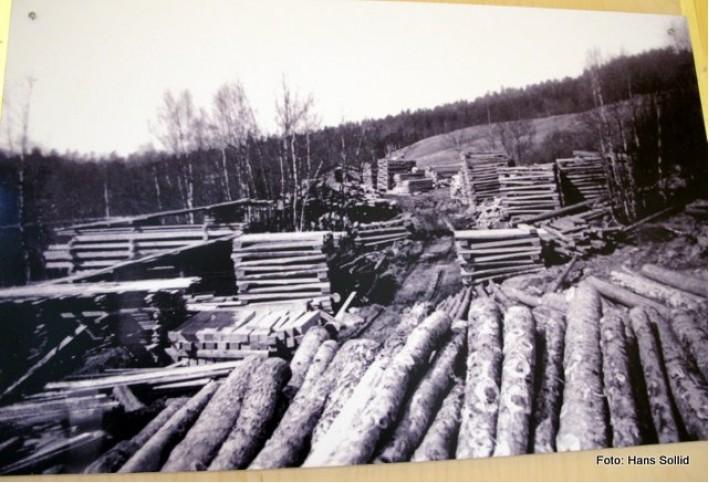 Svillelager på Atnbrusaga omkring 1947