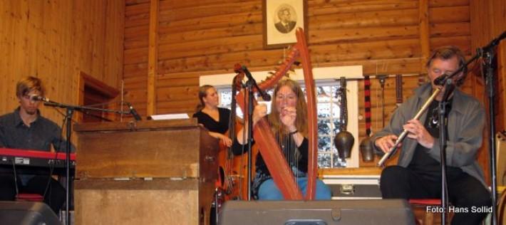 Tone Hulbækmo med ensemble