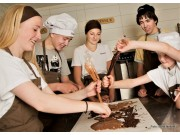 Sjokoladelåven trenger arbeidsglade ungdommer