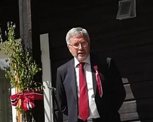 1-19 0517 Jens Olai Jensen taler på Jomsborg (1)