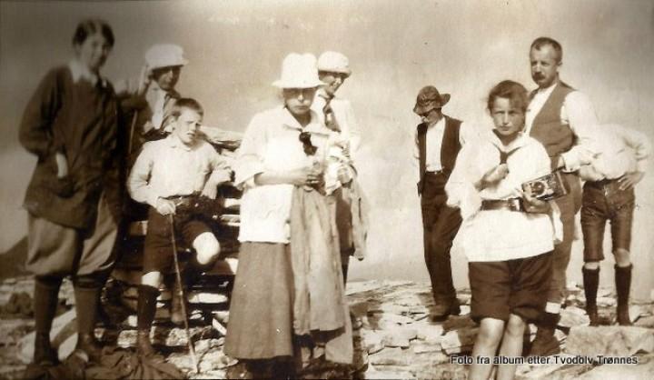 1-07 Tjodolf Trønnes på Rondeslottet 1917 08 15