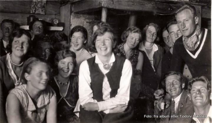 1-1933