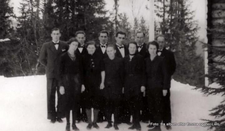 1945 søskenflokken i Søre Lien 1200-001