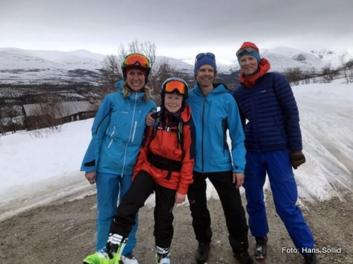 21 0330 skiløpere